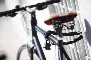 Angeschlossenes Fahrrad